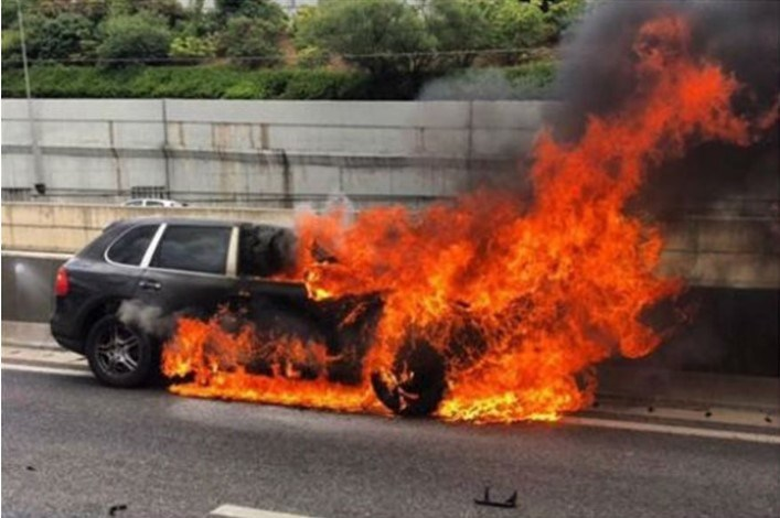 Το αυτοκίνητο του εκδότη Παναγιώτη Μαυρίκου μέσα στο οποίο βρήκε τραγικό θάνατο τον Ιούνιο του 2016