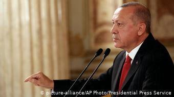 «Ερασιτέχνη της πολιτική» αποκάλεσε τον Γερμανό υπουργό Εξωτερικών ο Ερντογάν