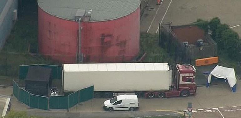 Το φορτηγό στο οποίο βρέθηκαν νεκροί 39 άνθρωποι