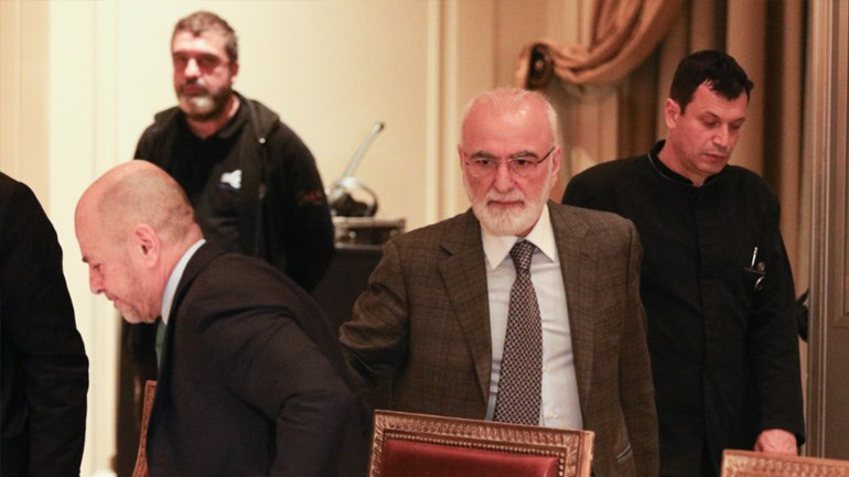 Ο Ιβάν Σαββίδης τη στιγμή που ετοιμαζόταν να πάρει θέση στη συνάντηση