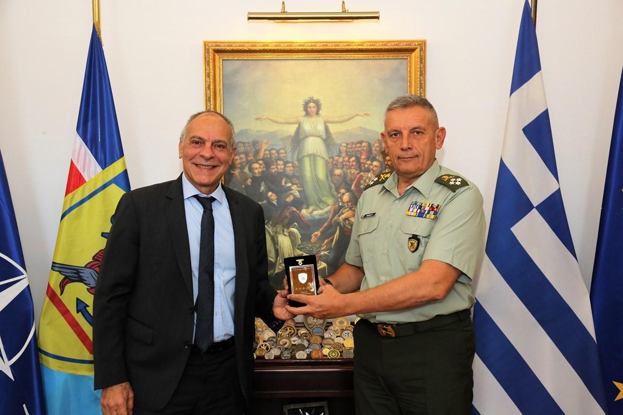 Ο παραιτηθείς Σύμβουλος Εθνικής Ασφαλείας του Πρωθυπουργού με τον Αρχηγό ΓΕΕΘΑ Στρατηγό Κωνσταντίνο Φλώρο