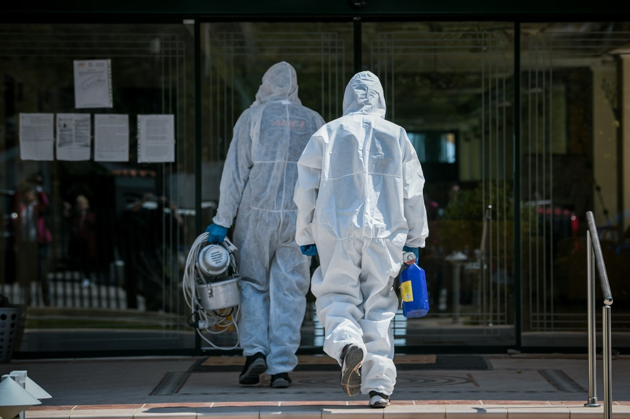 COVID-19: Κλείνει προσωρινά εργοστάσιο - ΕΟΔΥ: 169 νέα κρούσματα κορωνοϊού | Ελλάδα | COVID-19 | COVID-19 | Ελλάδα | Ορθοδοξία | online