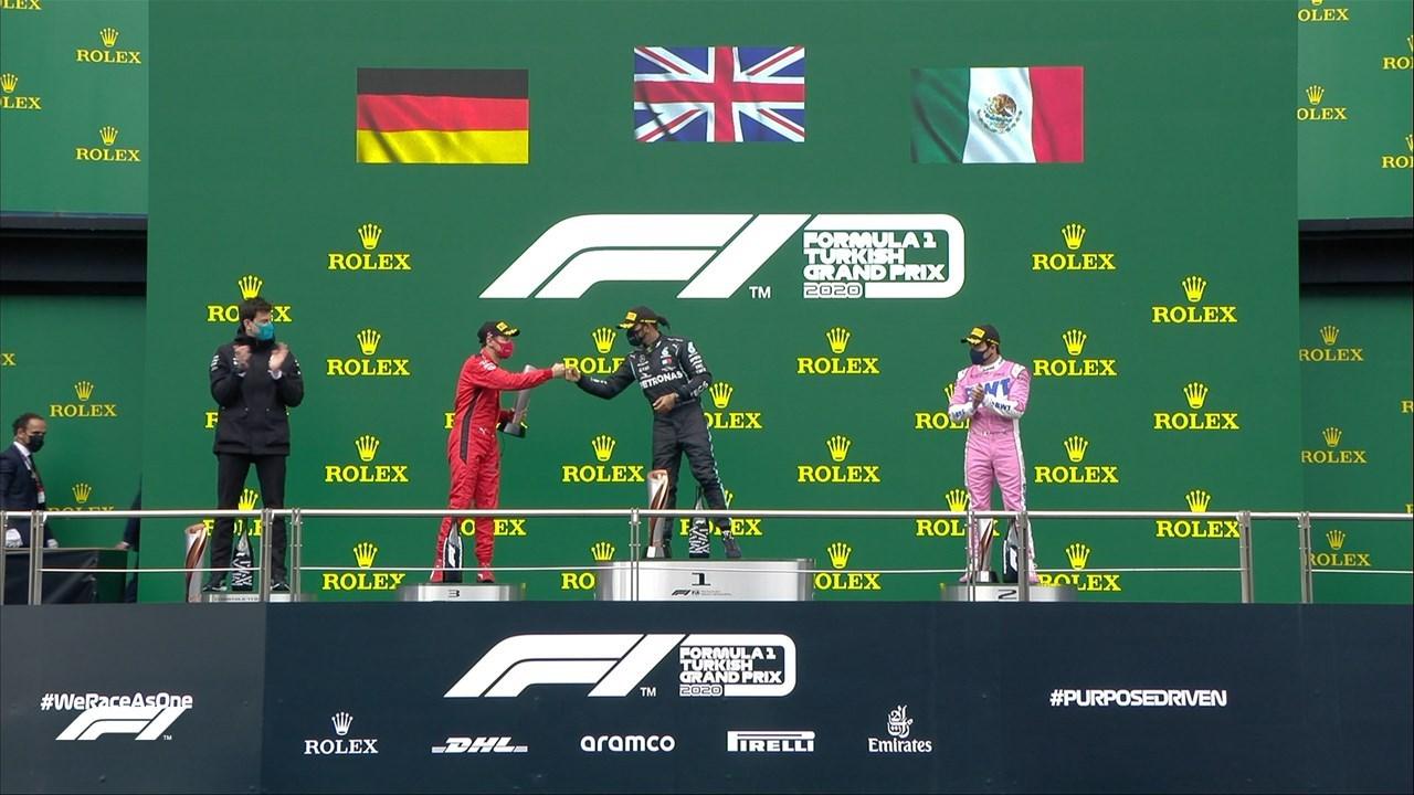 Το βάθρο του GP της Τουρκίας: Hamilton (1ος - μέση), Perez (2ος -  δεξιά) και Vettel (3ος - αριστερά)