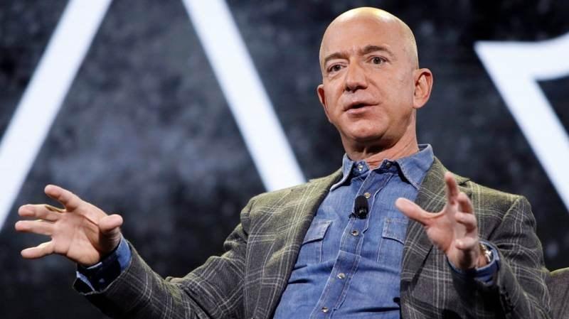 O Jeff Bezos, ο πλουσιότερος άνθρωπος στον πλανήτη
