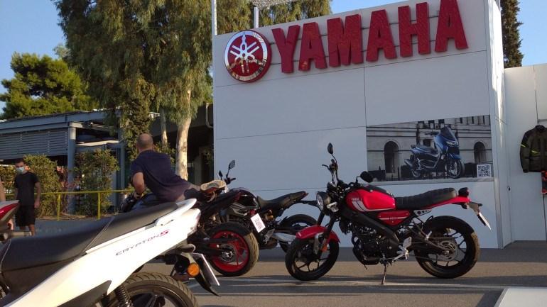 Ένα από τα μεγαλύτερα περίπτερα έχει η Yamaha με το ολόφρεσκο XSR125.